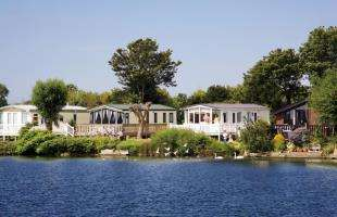 3 Bedrooms Bungalow for sale in Church Farm Holiday Village, Church Lane, Pagham, Bognor Regis