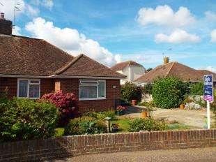 2 Bedrooms Bungalow for sale in Orchard Way, Bognor Regis, West Sussex