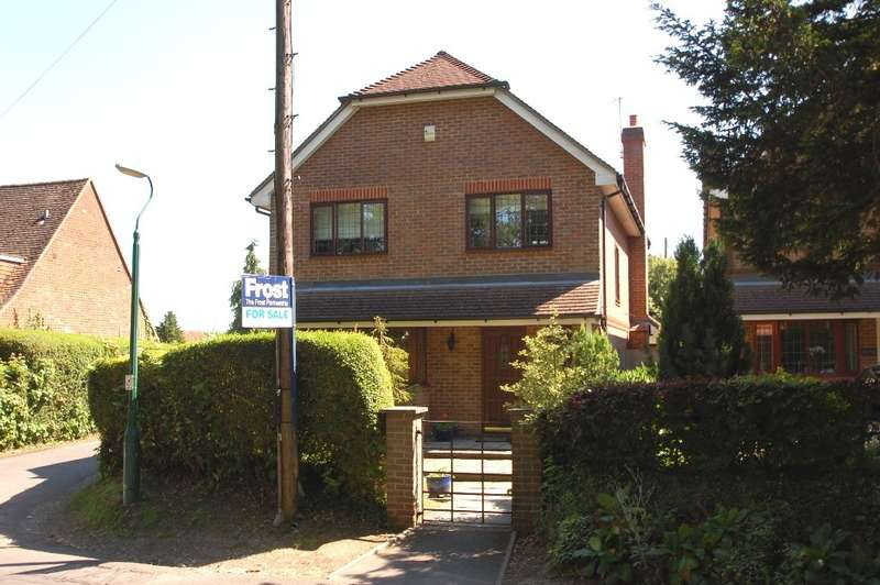 4 Bedrooms Detached House for sale in Bottrells Lane, Chalfont St. Giles, HP8