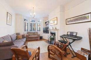 4 Bedrooms End Of Terrace House for sale in Muncaster Road, Battersea, London, .